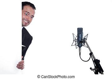cantor, amedrontado, microfone