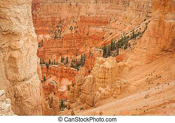 Canyon Bryce red rocks