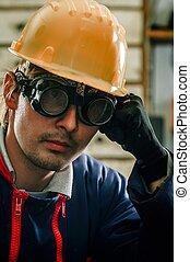 capacete, funcionamento duro, homem