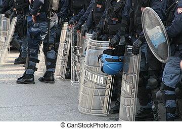 capacetes, polícia, escudos
