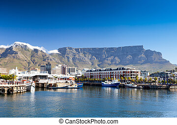 cape town v&a waterfront and table mountain