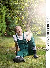 capim, jardineiro, sentando