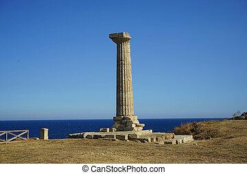 Capo Colonna - Temple of Hera Lacinia - Archaeological area...