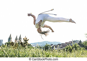 Capoeira woman, awesome stunts in t