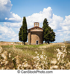 Cappella di Vitaleta (Vitaleta Church), Val d'Orcia, Italy. The most classical image of Tuscan country.