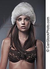 cappello bianco, bellezza, brunetta