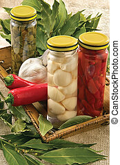 capperi, pepe caldo, baia, aglio, foglia