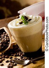 cappucino, crème fouettée