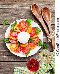 caprese salat, mit, rose, und, weißwein