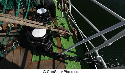 Capstan and Anchor Chain Rode - Capstan and anchor chain...