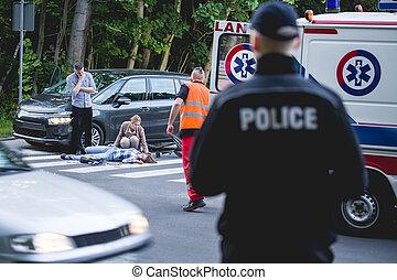 Car crash with paramedic on his way - Car crash witness...