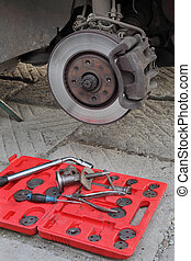 Car mechanic tools for disc brakes