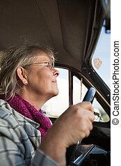 car, mulher sênior, oldtimer