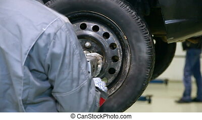 Car wheel installation