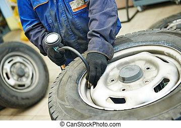 car wheel tyre air pressure check