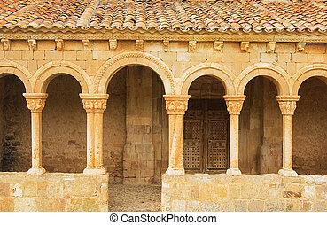 Caracena church 02