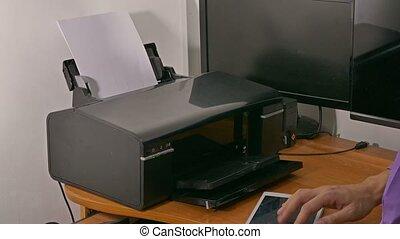 caractères, imprimante, bureau, documents, homme affaires, homme