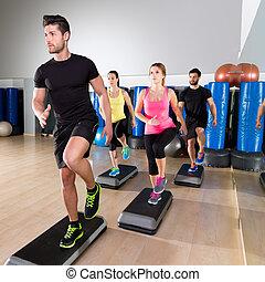 cardio, passo, ballo, gruppo, a, idoneità, palestra, addestramento
