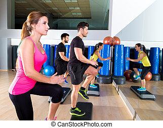 cardio, stap, dans, groep, op, fitness, gym, opleiding