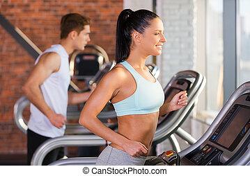cardio, training., seitenansicht, von, schöne , junge frau,...