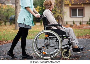 caregiver, und, älter, frau