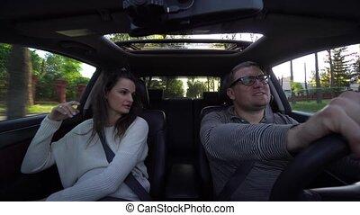caresser, voiture, couple, rire, conduite