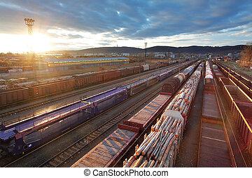 carga, estación, con, trenes, en, ocaso