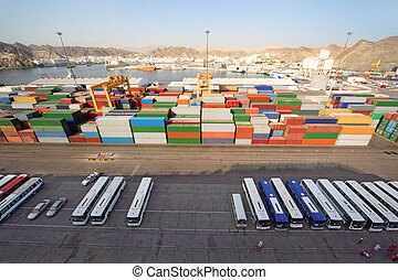 carga, transporte, autobuses, envío, sobre, puerto, contenedores, vista