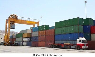 cargaison, chargement, récipients, camions, port maritime