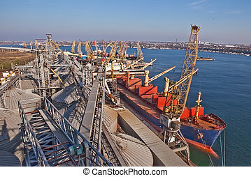 cargaison, convoyeur, être, silos, grain, chargé, bateau, sur, ceinture