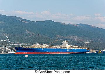 cargaison, roadstead, novorossiysk, entrée, baie, ancré, bateau, tsemes, port