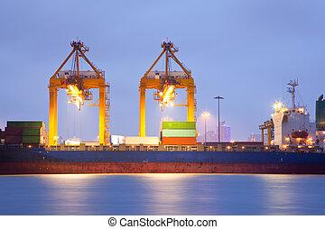 cargo, port, crépuscule