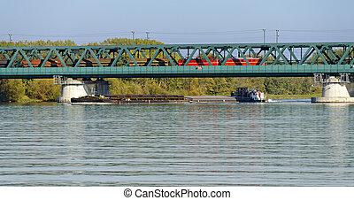 cargo vessel and cargo train