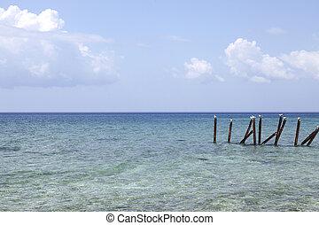 Caribbean ocean with seagulls