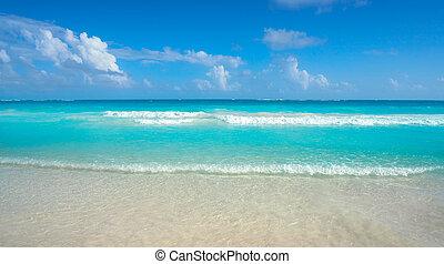 Caribbean turquoise beach in Riviera Maya