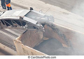 caricamento, asfalto, togliendo, macchina, works., camion, polvere, strada
