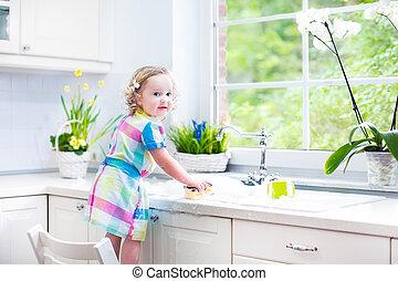 carino, bambino primi passi, lavaggio, riccio, piatti