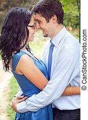carino, coppia dividendo, uno, romantico, momento intimo