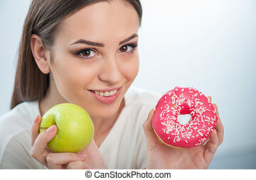carino, giovane ragazza, con, sano, e, cibo malsano