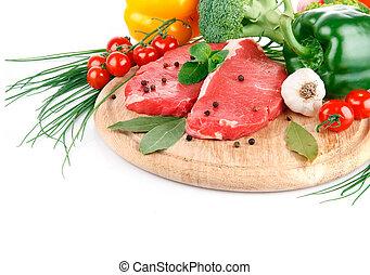 carne crua, com, legumes frescos, isolado, branco, fundo