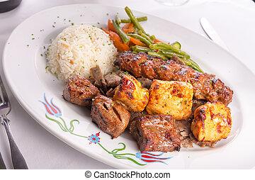 carne de vaca, doner, adana, pollo, mezclado, servido,...