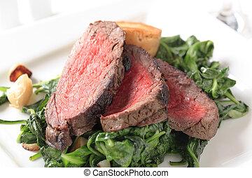 carne de vaca, espinaca, salteado, asado