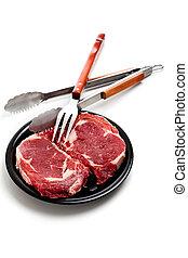 carne de vaca, ribeye, filete, y, utensillos de cocina