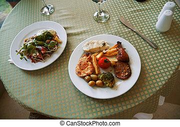 carne, piatti, ristorante, delizioso, verdura, tavola
