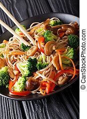 carote, fritto, piastra., soba, verticale, funghi, closeup, peperoni, broccolo, tagliatelle