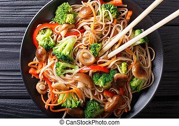 carote, primo piano, food:, piastra., soba, cima, funghi, giapponese, peperoni, broccolo, tagliatelle, orizzontale, vista