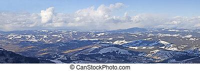 carpathian, berg, landschaft., panorama, von, schnee, mountain.