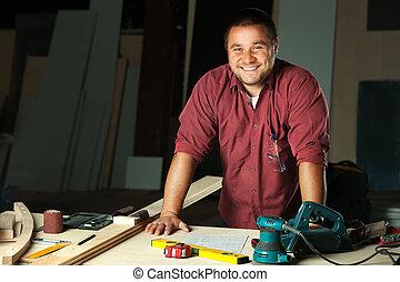 carpenter., ritratto, felice, professionale