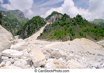 Carrara  marble stone pit 03