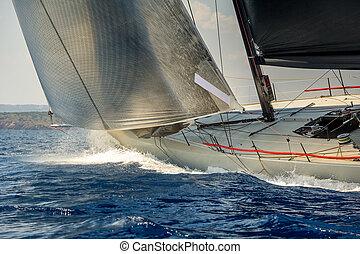 carreras, yate navegación, yendo, rápido, en, el mar de mediterranean